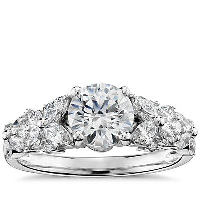 铂金 Monique Lhuillier 花瓣花环钻石订婚戒指<br>(1/2 克拉总重量)