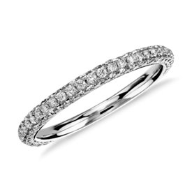 Anillo de diamantes con triple micropavé de Monique Lhuillier en platino (1/2 qt. total)