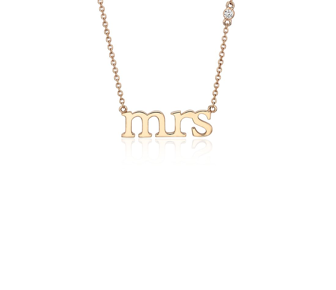 Collier « Mrs » avec détail diamant en or rose 14 carats