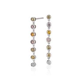 Aretes de diamantes fantasía de varios colores en oro blanco de 18 k (3/4 qt. total)