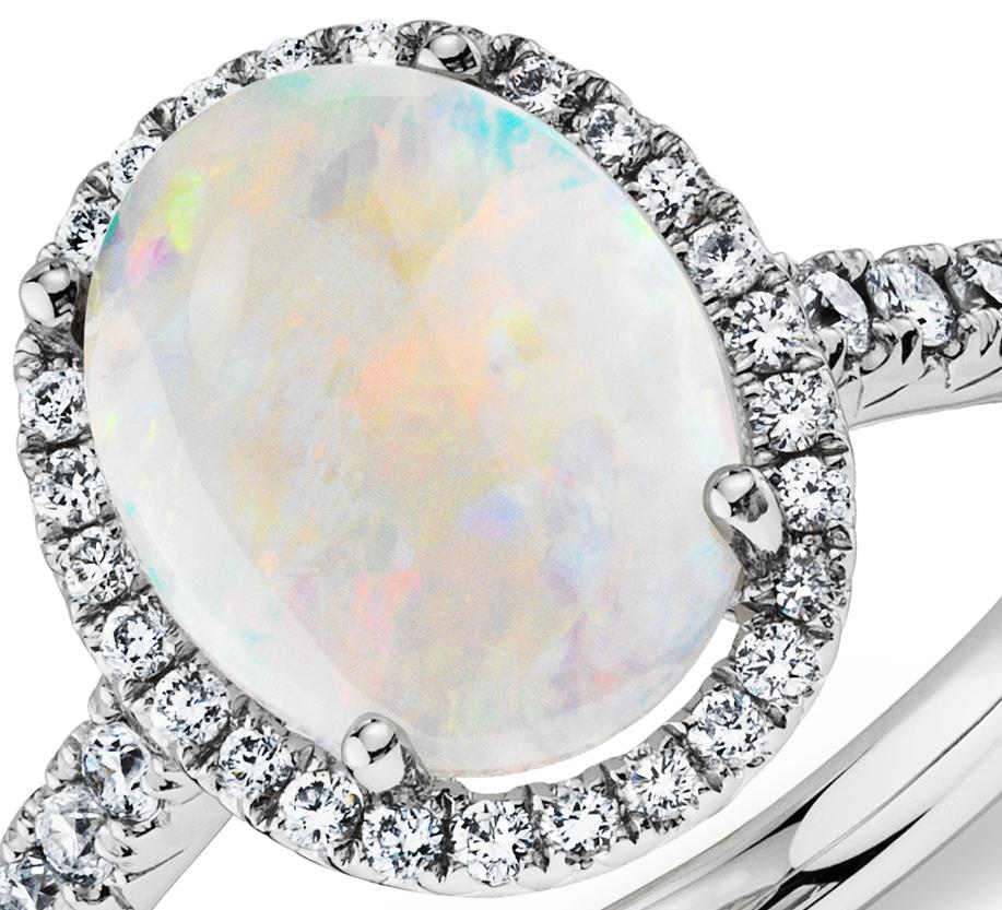 Bague diamant et opale en or blanc 18carats (10x8mm)