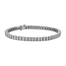 NEW Oval-Cut Diamond Tennis Bracelet in 18 White Gold (8 3/4 ct .tw.)