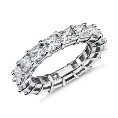 新款铂金公主方形钻石永恒戒指<br>(5.5 克拉总重量)
