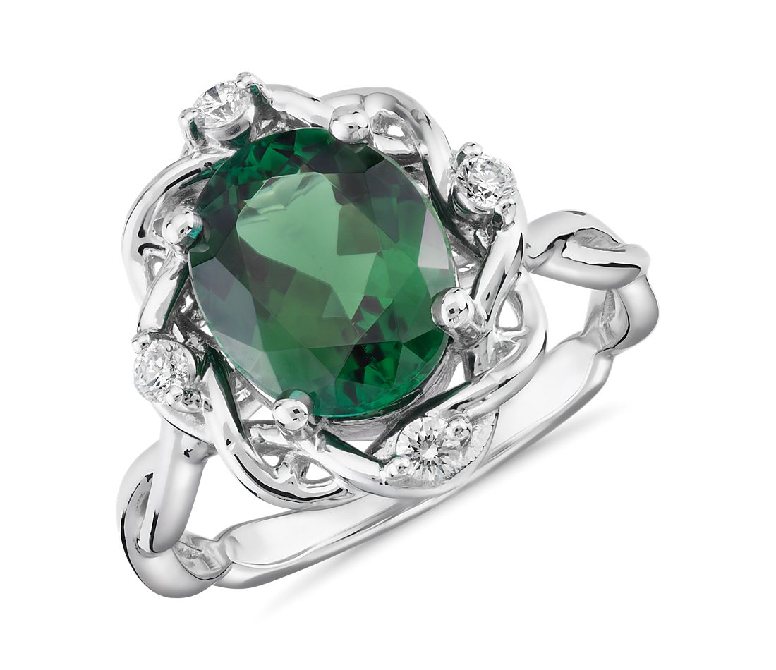 Bague tissée en diamants et tourmaline ovale verte en or blanc 18 carats (10 x 8 mm)