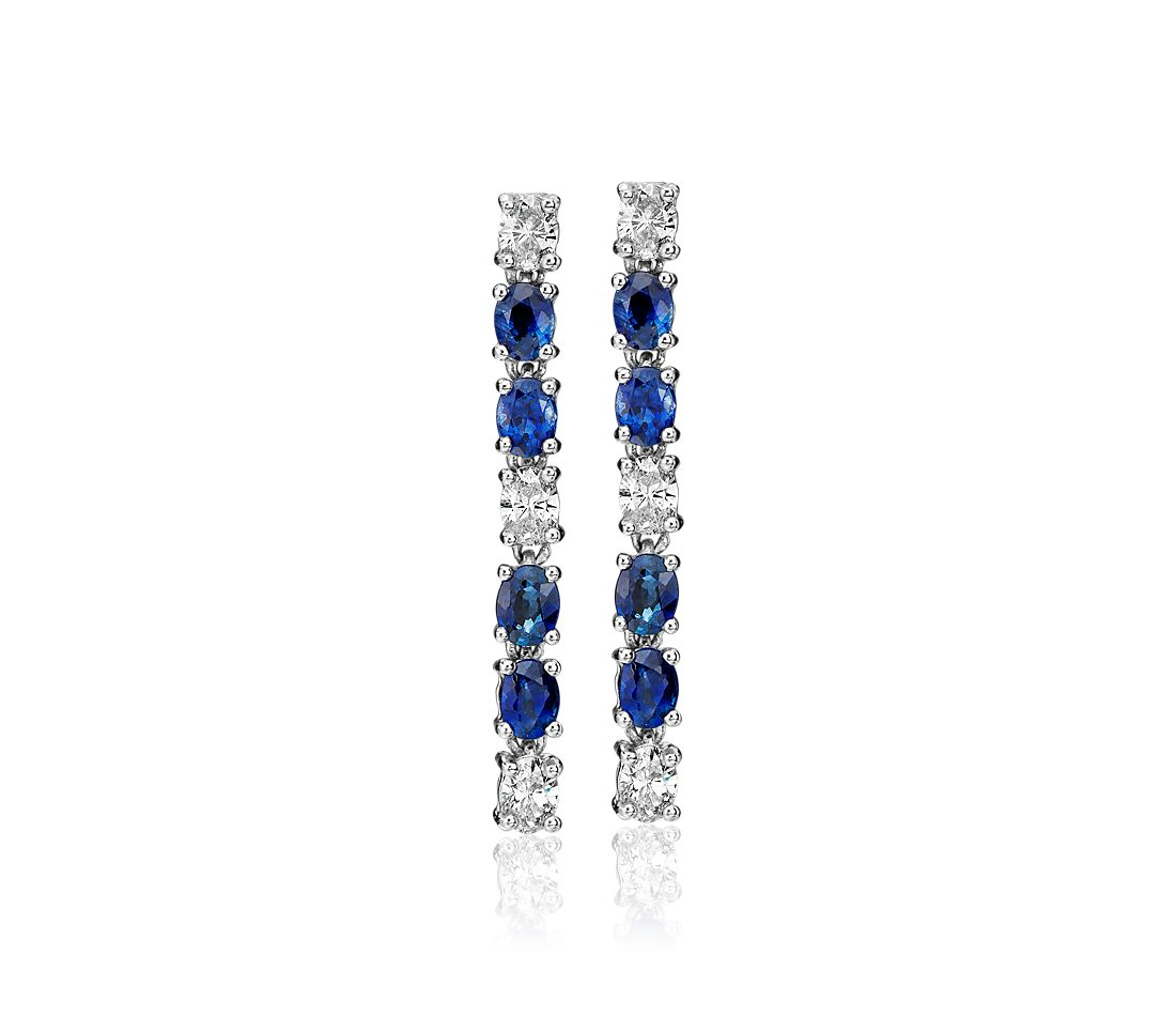 Pendants d'oreilles saphirs ovales et diamants en or blanc 18 carats (4 x 3 mm)
