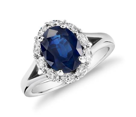 Bague saphir ovale et halo de diamants ovales en platine (9 x 7 mm)