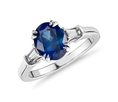 鉑金 橢圓藍寶石戒指搭尖頂長方形輔石<br>( 9x7毫米)