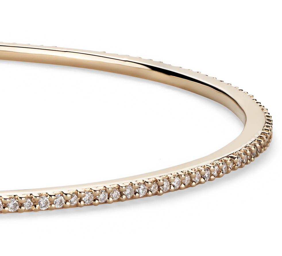 Esclava con pavé de diamantes apilable en oro amarillo de 18k (1 qt. total)
