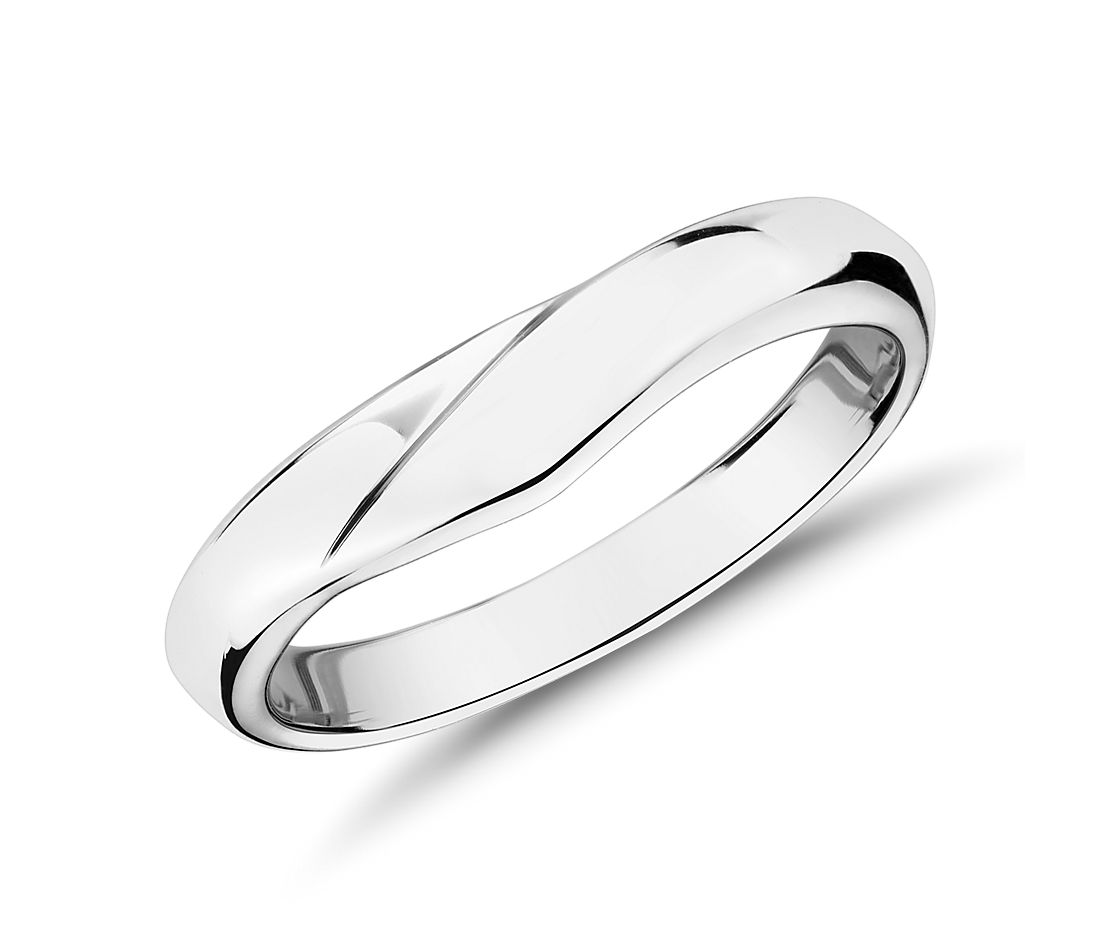 Peaked Male Ring in 18k White Gold (4mm)