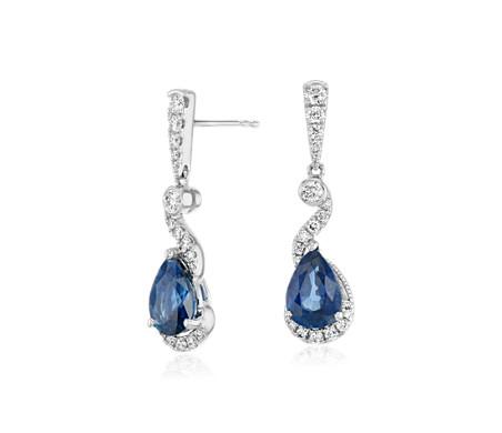 Pendants d'oreilles torsadés diamant et saphir bleu taille poire en or blanc 18carats (8x6mm)