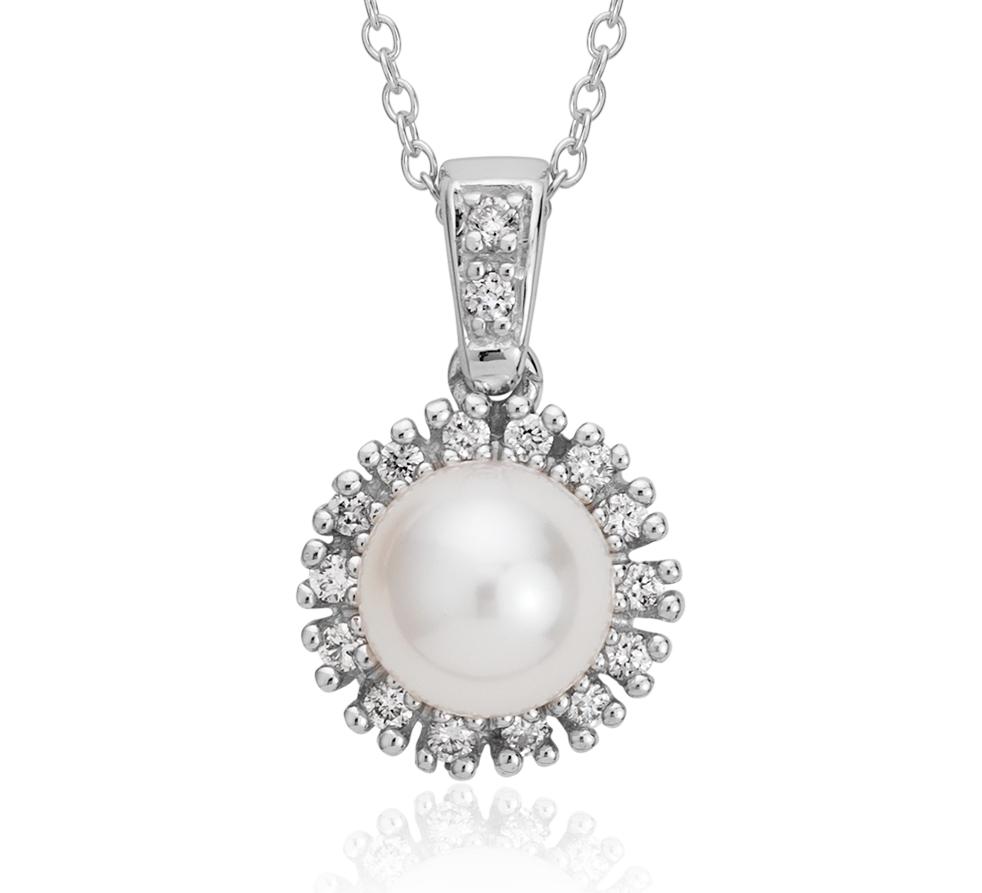 Colgante con halo de diamantes y perlas de agua dulce en oro blanco de 14 k