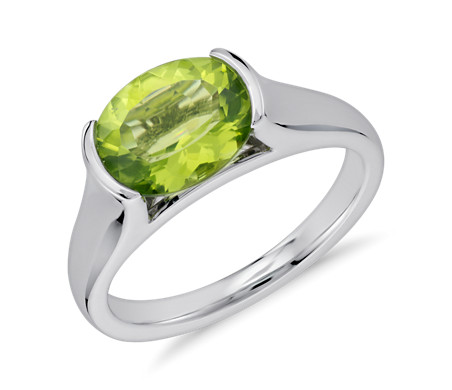 Blue Nile Corda Cushion-Cut Peridot Halo Ring in Sterling Silver (8mm)