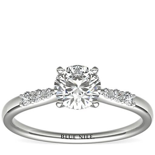 c2fa4a7ade48 Anillo de compromiso de diamantes pequeños en oro blanco de 14 k de 3 4  quilate listo para enviar