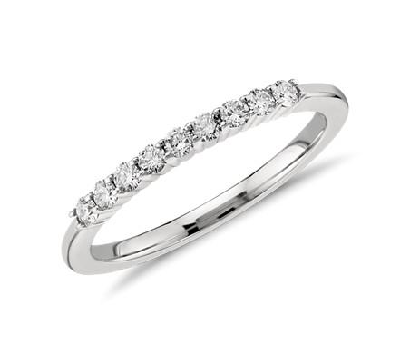 鉑金 小巧鑽石戒指<br>( 1/5 克拉總重量)