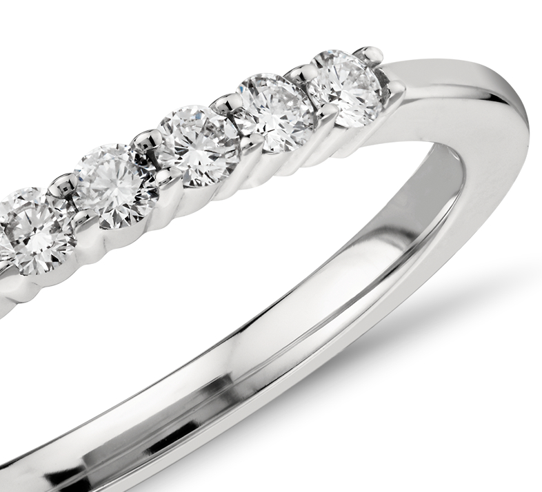 Petite bague diamant en platine (1/5carat, poids total)