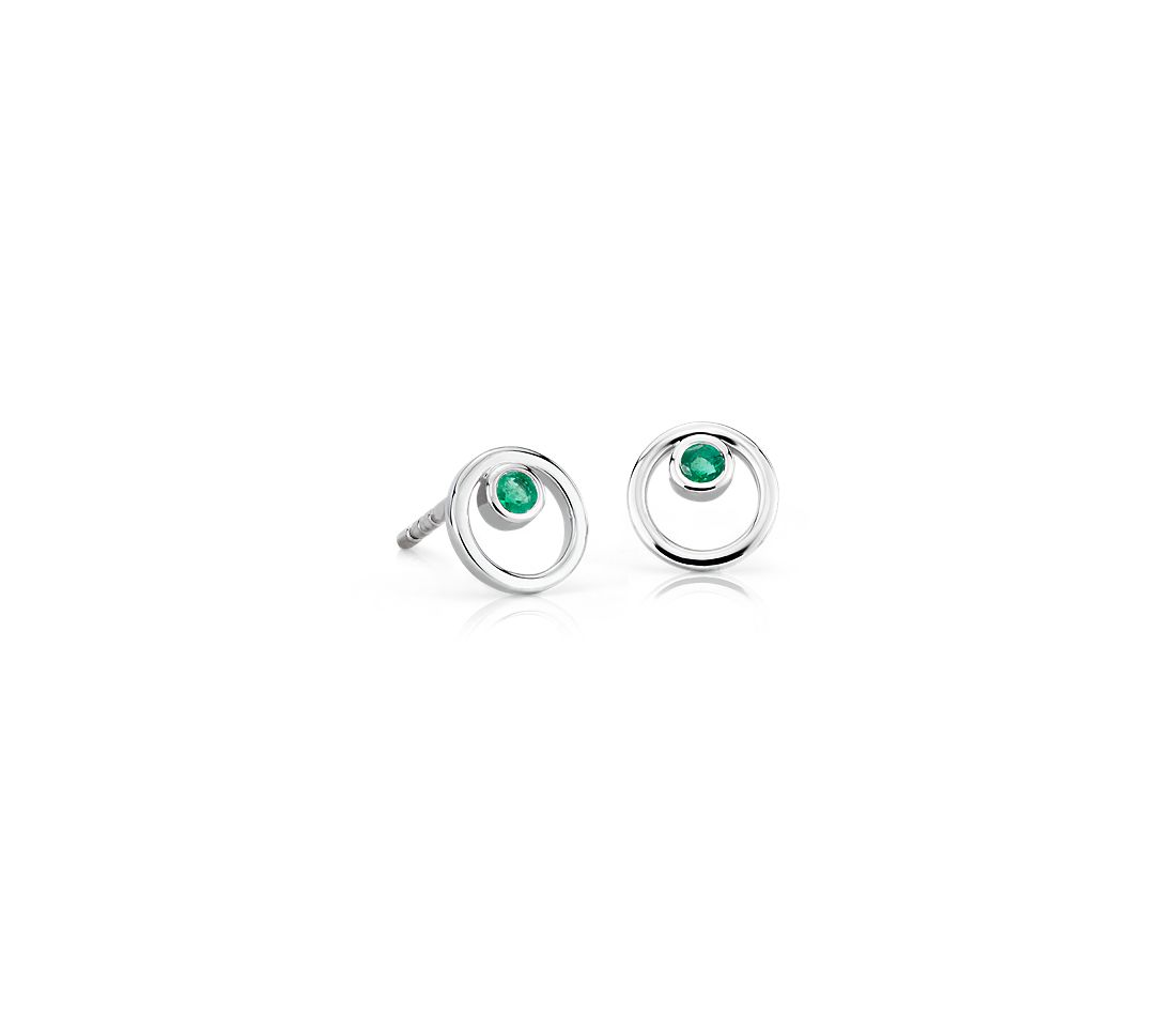 Pee Open Circle Emerald Birthstone Earrings In 14k White Gold 2mm