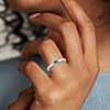 Petite bague émeraude avec cœur de diamants sertis pavé en or blanc 14carats (3mm)