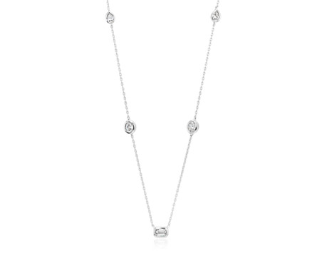 Collar con diamantes fantasía pequeños en oro blanco de 14 k (1/2 qt. total)