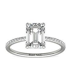 Bague de fiançailles en diamants sertis micro-pavé de petite taille en or blanc 14carats