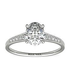Graduated Milgrain Diamond Engagement Ring in Platinum (0.10 ct. tw.)