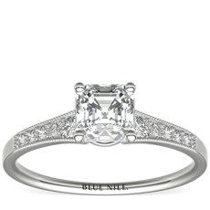 Anillo de compromiso graduado con diamantes milgrain en oro blanco de 14 k (1/10 qt. total)