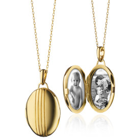 Petite Oval Locket in 18k Yellow Gold