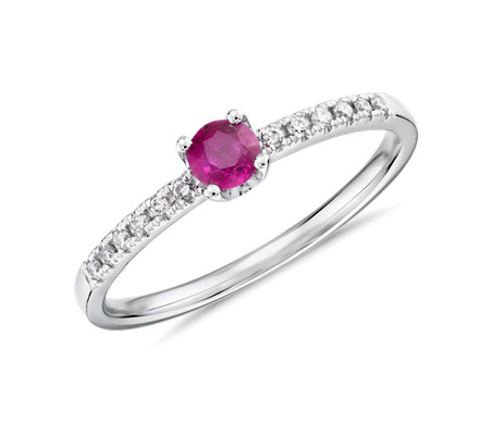 14k 白金小巧红宝石叠戴钻石戒指<br>(3.5毫米)