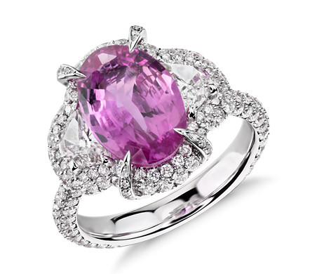 Bague halo de diamants et saphir rose en or blanc 18 carats (3,44 ct au centre)