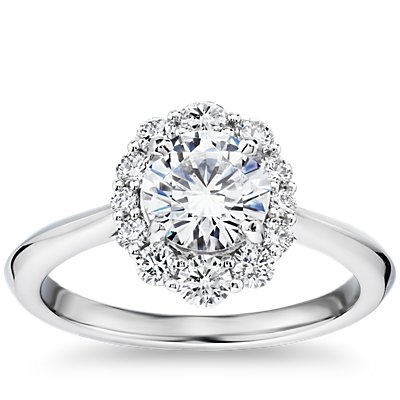 Knife Edge Graduated Oval Diamond Halo Engagement Ring in 14k White Gold (1/3 ct. tw.)