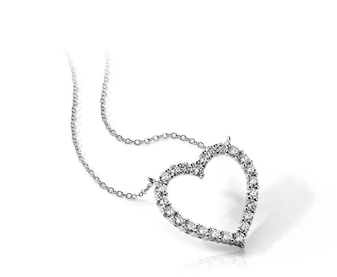 Colgante con forma de corazón con diamante redondo en platino (2 qt. total)