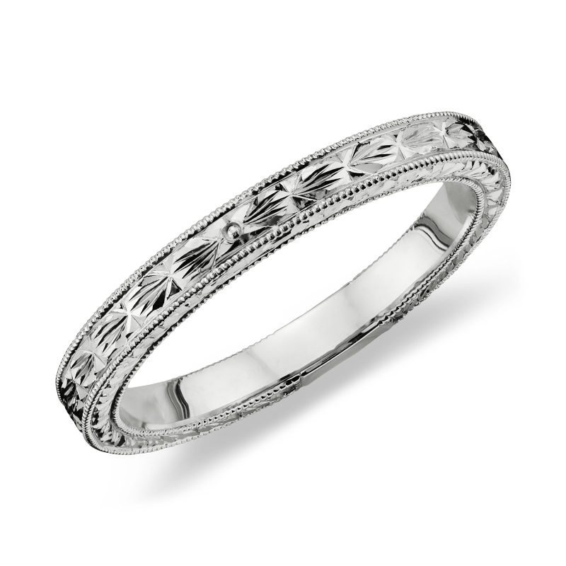 Hand-Engraved Wedding Ring in Platinum