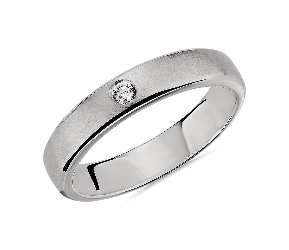 Brushed Single Diamond Wedding Ring in Platinum (4.5mm)