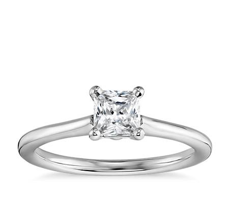 1/2 克拉预镶嵌公主方形切割14k 白金小巧单石订婚戒指
