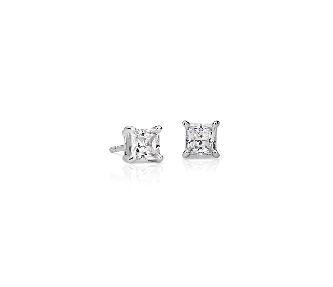 18k White Gold Four-Claw Princess Diamond Stud Earrings (0.96 ct. tw.)