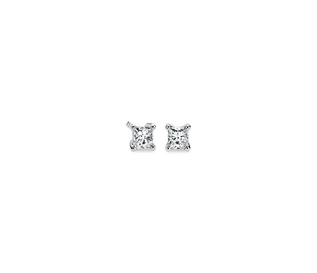 Aretes de diamantes de talla princesa en platino (1/3 qt. total)