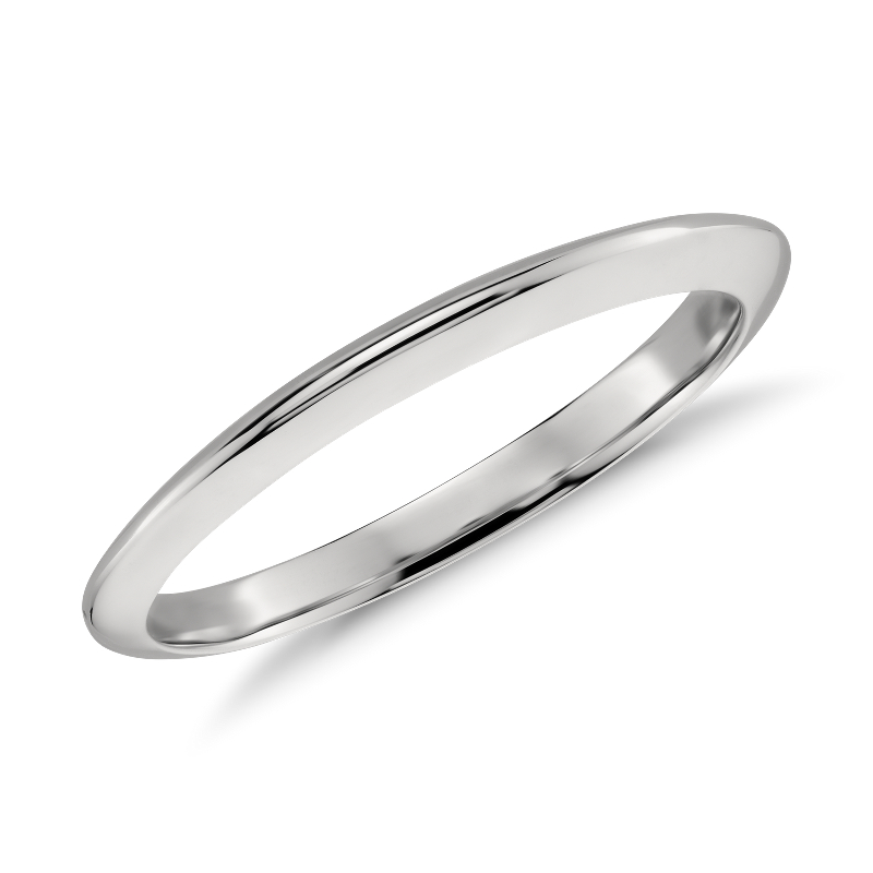 Knife Edge Wedding Band in Platinum