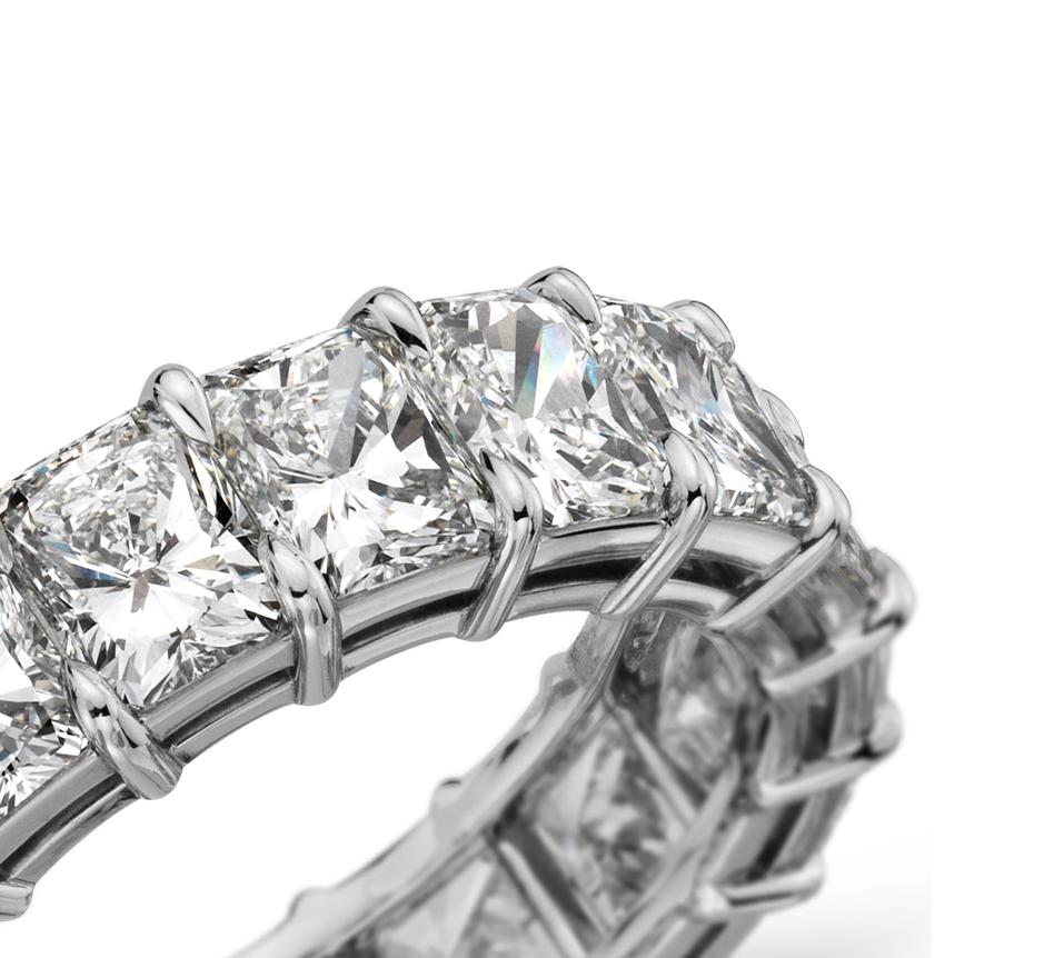 Bague d'éternité diamant taille radiant en platine (8carats, poids total)