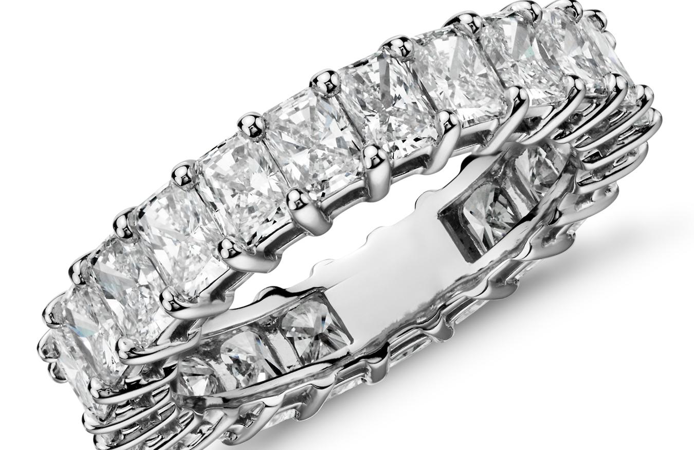 Bagues d'éternité diamanttaille radiant en platine