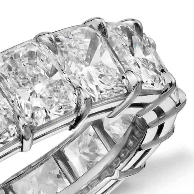 Bague d'éternité diamant taille radiant en platine (7,00 carat, poids total)