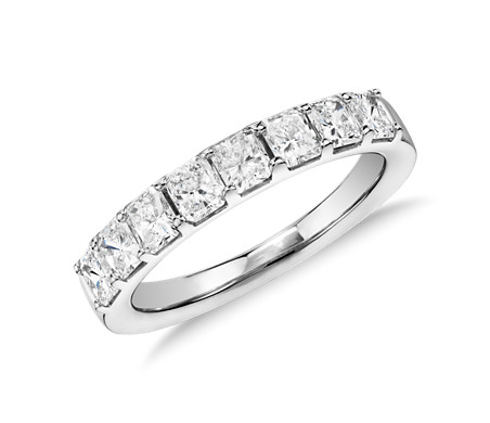Classic Radiant Cut Diamond Ring in Platinum (1.20 ct. tw.)
