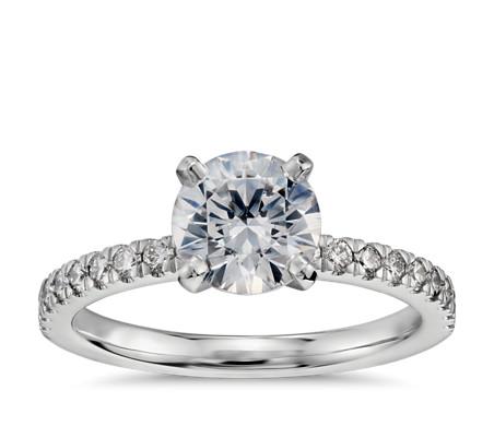 1 克拉鉑金小巧密釘鑽石訂婚戒指,現貨供應