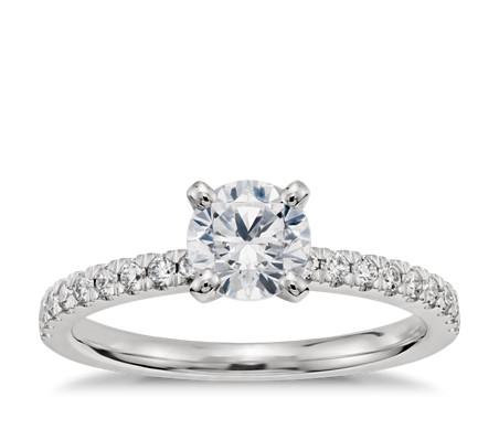 Bague de fiançailles en diamants sertis pavé de petite taille en platine de 3/4carat prêt à expédier