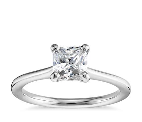 1 克拉公主方形切割14k 白金小巧單石訂婚戒指,現貨供應