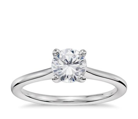1 克拉可供发货14k 白金小巧单石订婚戒指