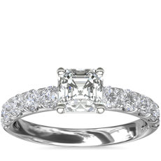 铂金 Riviera 密钉钻石订婚戒指<br>(5/8 克拉总重量)