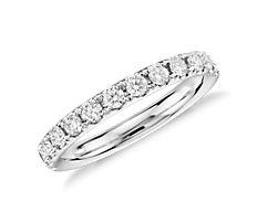 铂金 Riviera 密钉钻石戒指<br>(1/2 克拉总重量)