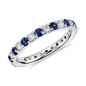 Anillo de eternidad Riviera con  diamantes pavé y zafiros en platino (2/3 qt. total)