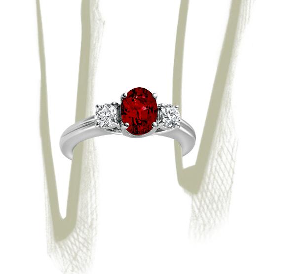 Anillo de diamantes y rubí en oro blanco de 18 k (8x6mm)