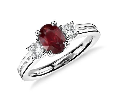 18k 白金红宝石钻石戒指<br>(7x5毫米)