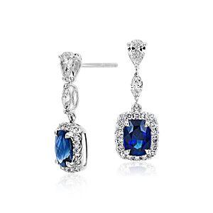 Pendants d'oreilles halo de diamants avec un saphir taille coussin en or blanc 18carats (centres 2,5 carats, poids total)